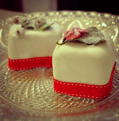 BLOG CHRISTMAS Crystallised flower cakes-16